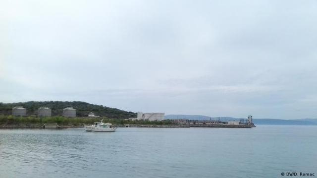 A picture showing the gas terminal on Krk from sea