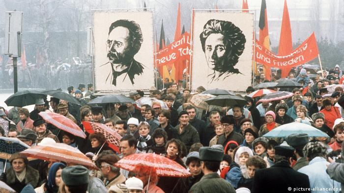 Ostberlin Gedenkdemonstration Luxemburg Liebknacht 1988