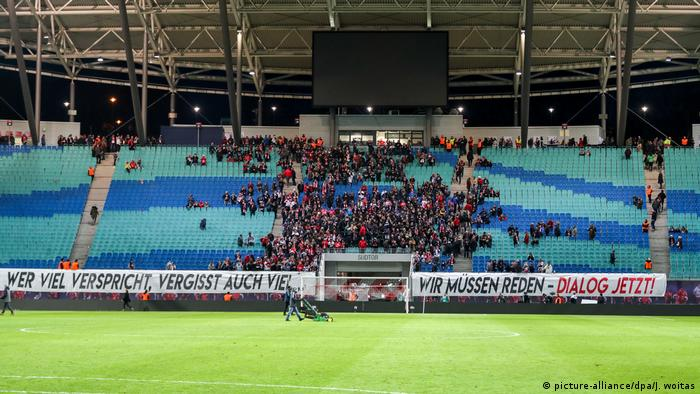"""New faces."""" with these words invites rb leipzig am 8. Rb Leipzig Face Fundamental Dilemma As Fans Demand Dialogue Sports German Football And Major International Sports News Dw 15 02 2019"""