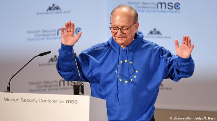 Wolfgang Ischinger wearing a sweatshirt with the EU flag design at the 2019 MSC