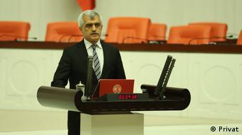 Ο βουλευτής του HDP Ομέρ Φαρούκ Γκεργκερλιόγλου