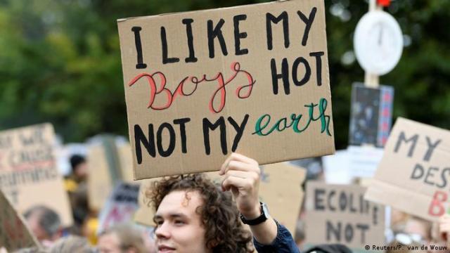 Friday for Future climate strike, Netherlands (Reuters/P. van de Wouw)