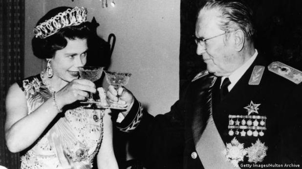 Jugoslawien Tito und Queen Elizabeth II 1972 (Getty Images/Hulton Archive)