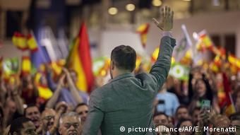 , Απόστρατοι νοσταλγοί στη Μαδρίτη: γραφικοί ή επικίνδυνοι;, INDEPENDENTNEWS