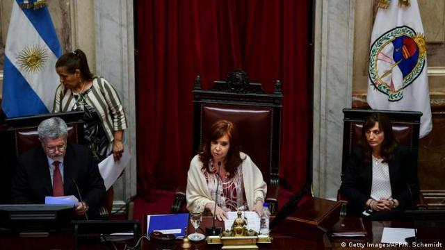 Cristina Fernández de Kirchner habla en el Senado. (Diciembre de 2019).