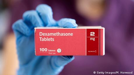 La OMS considera que la utilización del esteroide dexametasona, que redujo significativamente la mortalidad en pacientes seriamente afectados por el nuevo coronavirus, es un avance científico en la lucha contra la pandemia de COVID-19. Es el primer tratamiento comprobado que reduce la mortalidad en pacientes que casi no pueden respirar, a pesar de usar respiradores. (16.06.2020).