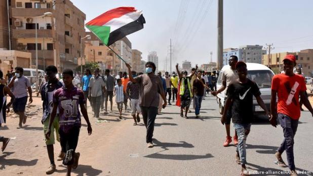 رغم الوعود المقدمة تتواصل الاحتجاجات ضد الحكومة الانتقالية في الخرطوم