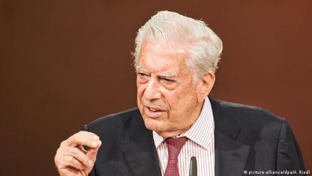 Vargas Llosa en Berlín: ″la literatura crea ciudadanos difíciles de manipular″ | Europa al día | DW | 10.09.2020