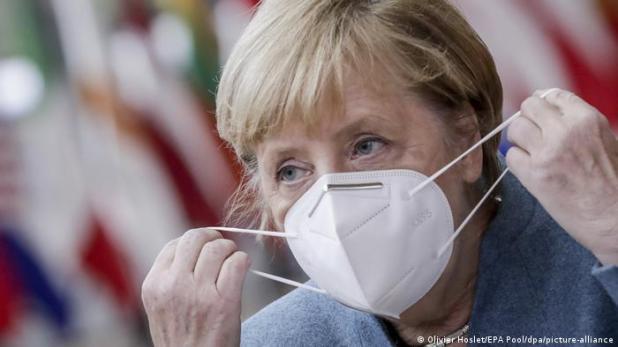 المستشارة الألمانية أنغيلا ميركل تحث مواطنيها على البقاء في البيت