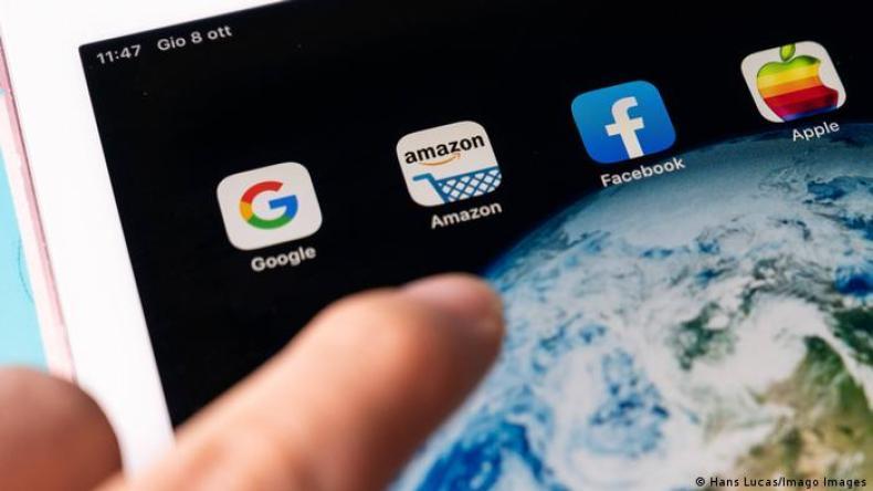 Symbolbild Big Tech Google Amazon Facebook Apple (Hans Lucas/Imago Images)