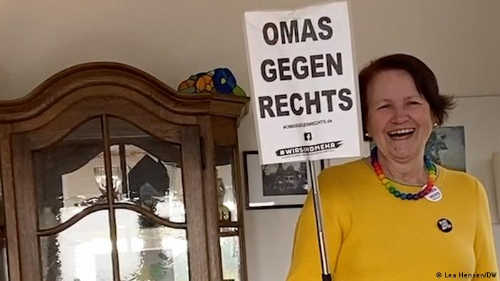 Ohnweiler holding a sign reading, in German, Grannies against the Right (Lea Hensen/DW)