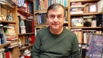 Siyaset bilimci ve hukukçu Prof. Levent Köker
