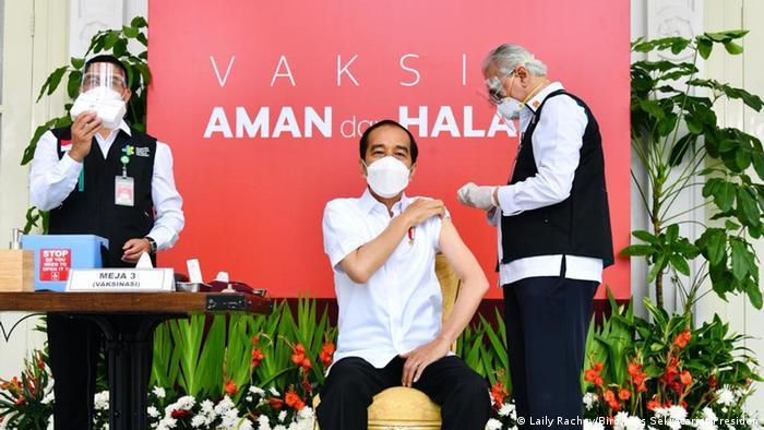 Indonesian President Joko Widodo Receives Sinovac Biotech Vaccine