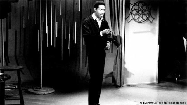 Sam Cooke, singing on TV, circa 1963