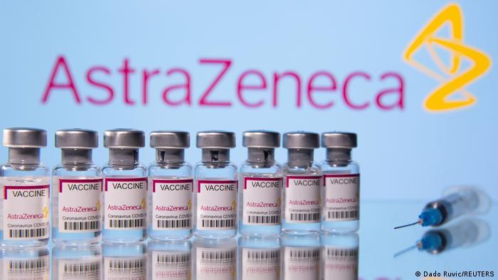 Frascos con dosis de la vacuna de AstraZeneca.