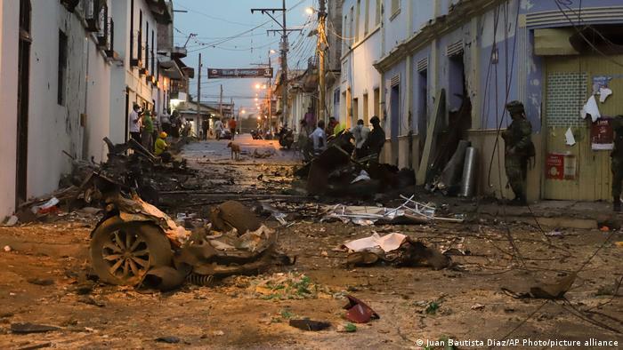 Atentado con coche bomba deja 43 heridos en Colombia | Colombia en DW | DW  | 27.03.2021