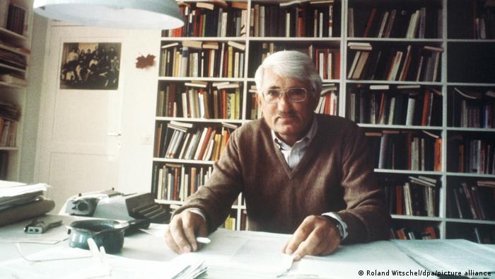 Jürgen Habermas in his office in 1981