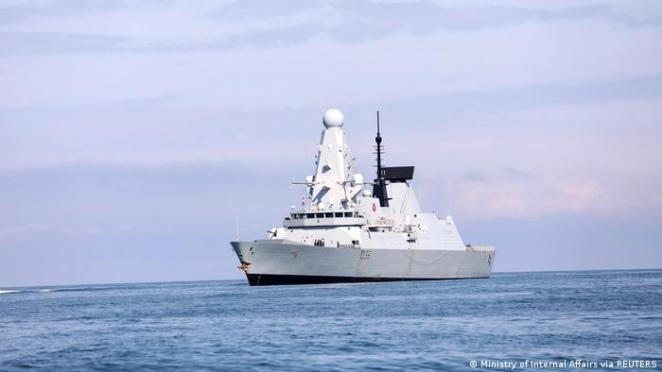 İngiliz savaş gemisi''HMS Defender'' Karadeniz'de Batum açıklarında