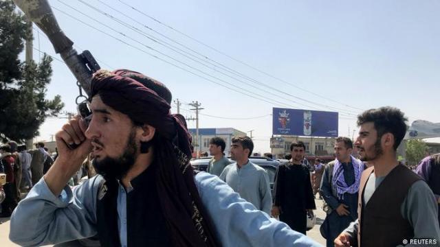 Talibán en Kabul.