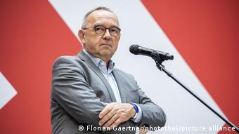 ΠΙέζει για την έναρξη διαπραγματεύσεων ο Νόρμπερτ Βάλτερ-Μπόργιανς