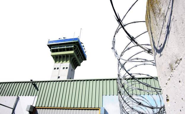 Exterior de la cárcel de Dueñas./A. Quinterto