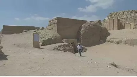 Image for Egypt Opens a 4000-year Old Tomb to the Public