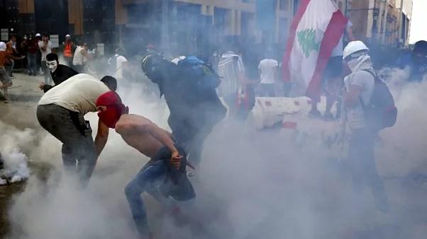 معترضان خشمگین به عملکرد دولت