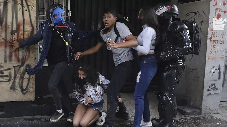 Los disturbios deslucen la jornada de movilización en Colombia | Euronews