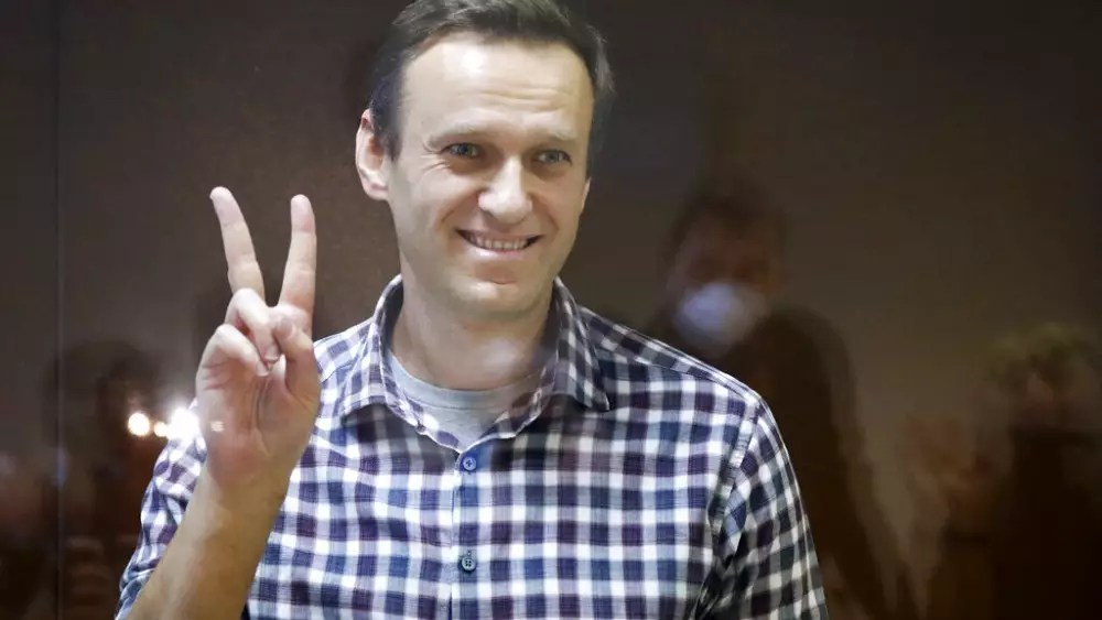 EU agrees human rights sanctions on Russia over Navalny's jailing