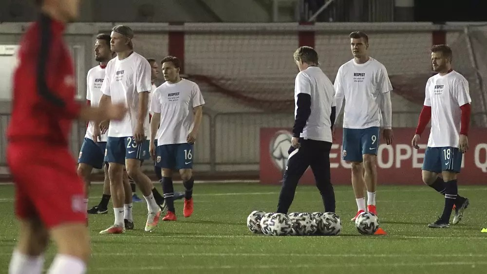 Norway's football team make Qatar protest ahead of qualifying match
