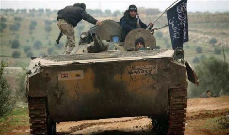 Syrie: L'Etat islamique pénètre dans la périphérie de Damas. Les jihadistes d'Al-Qaïda attaque l'aéroport militaire d'Abou Douhour