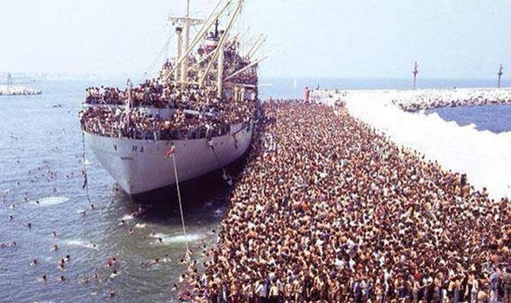 Migrants: la Hongrie abandonne et ouvre grand ses frontières, l'Allemagne en difficulté