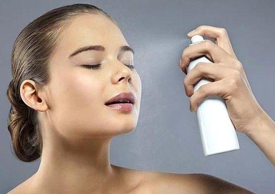 Imagini pentru spray pe fata pentru fixare