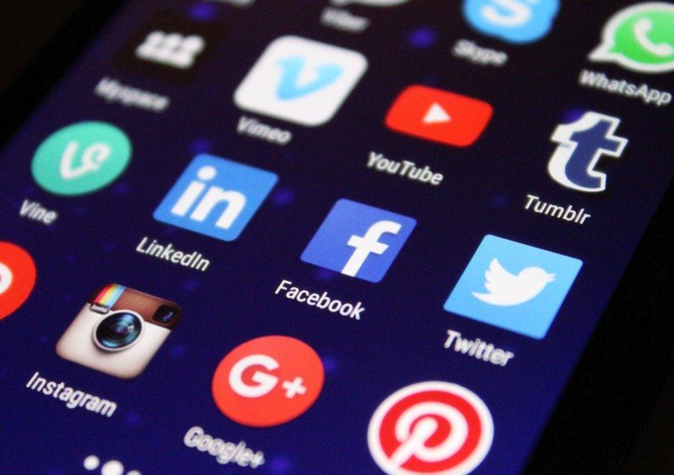 media, social media, apps