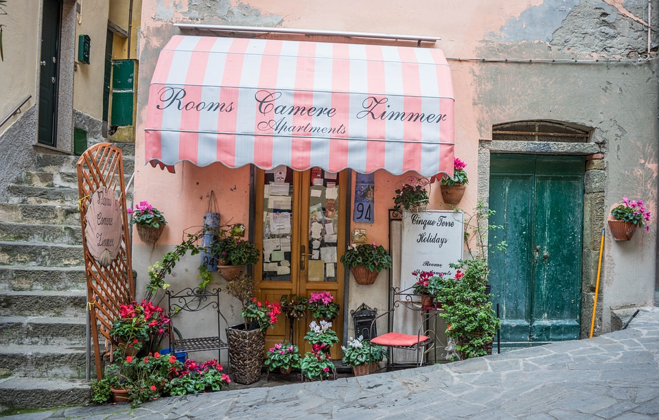 italy, cinque terre, store front