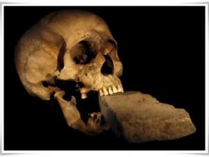 Trovato cimitero di vampiri in Polonia: i corpi avevano il cranio tra le gambe.