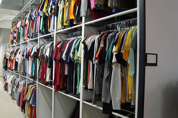 Magasin de vêtements Stock Room
