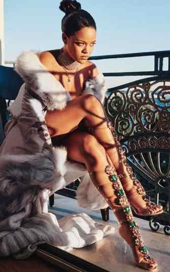 Rihanna nude with jewellery