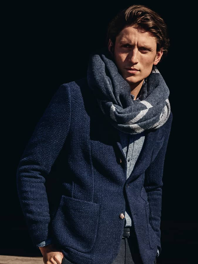 How To Wear A Scarf For Men - The Reverse Drape