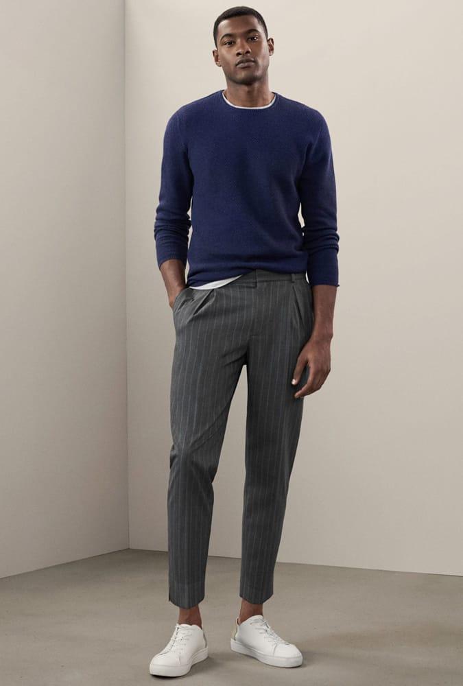 Comment porter un pantalon à fines rayures