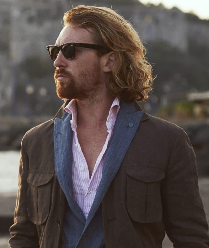 Comment porter Ray-Ban Wayfarers avec des vêtements décontractés élégants