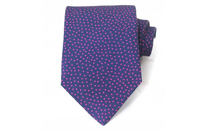 Cravate en soie à pois bleu marine et rose