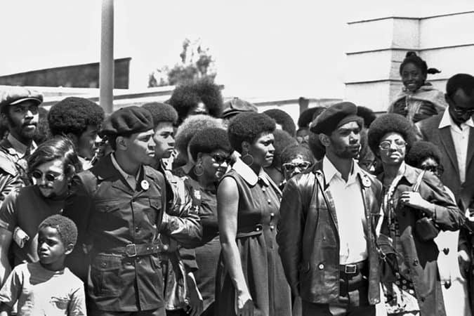 Oakland, Californie: c. 1971 Funérailles de Black Panther George Jackson