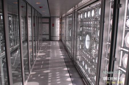 阿拉伯文化�心(Institut du Monde Arabe)之遮光板光影