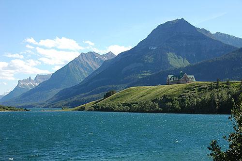 Waterton Lake - Fancy Hotel on Lake