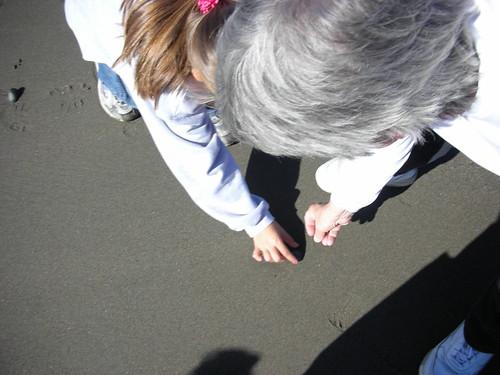 Mom & Emi rock hunting
