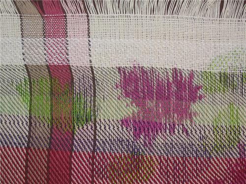Gros-plan d'une section de l'exerice en chaîne peinte - Close-up of part of the warp painting exercise