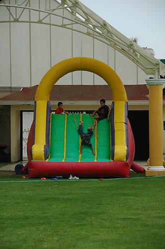 Acambaro - 15 Kids playing