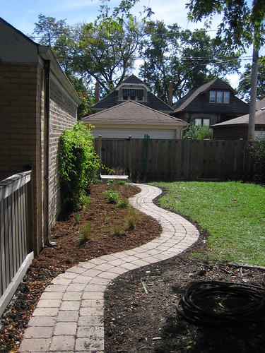 Walkway along the garage, transformed