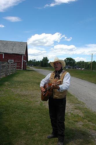 Bar U Ranch - David Sings
